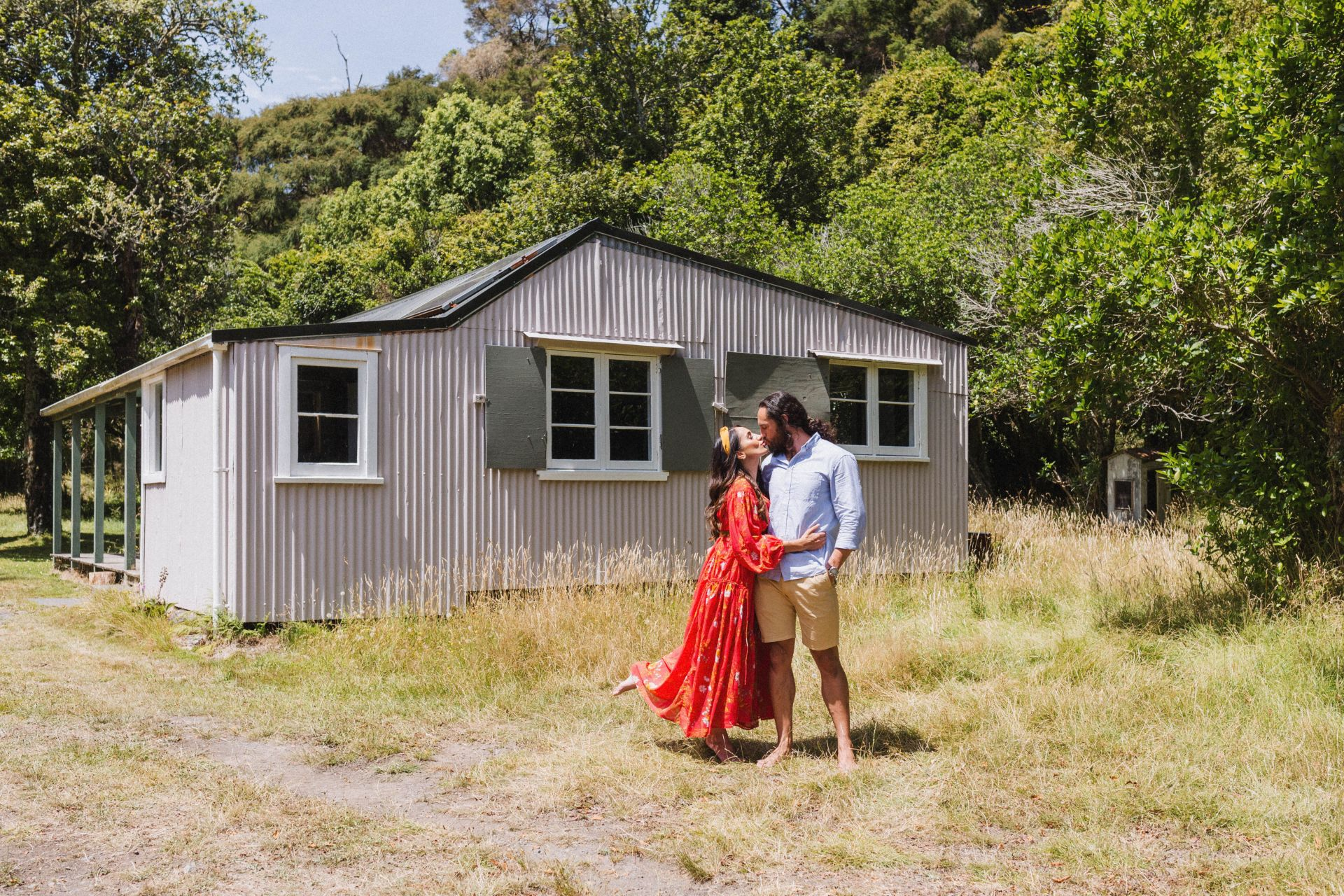 Kawakawa Station – The Purple Hut
